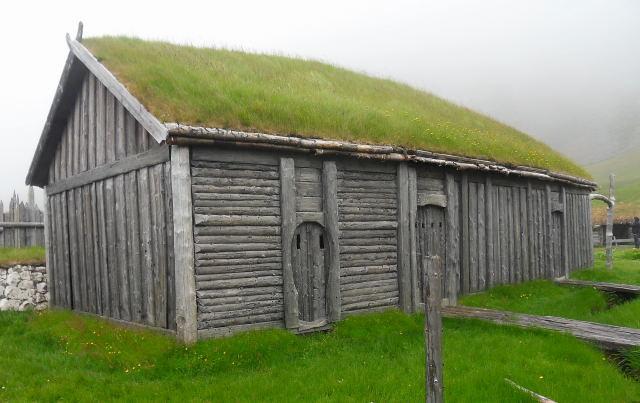 Clădiri tradiționale lângă Hofn