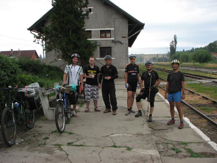 Echipa completă: Marcel, Alex, Claudiu, Darius, Ovi și Dorin