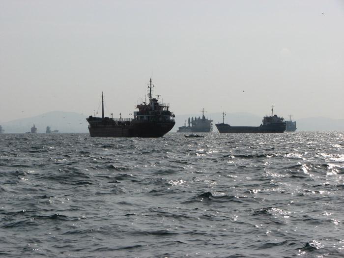 Vapoare la intrarea în Marmara