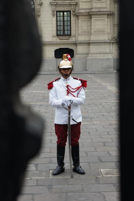 Strajă la Palatul Guvernamentul din Plaza de Armas, Lima