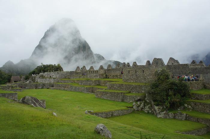 Piața centrală. În fundal vârful Vayna Picchu
