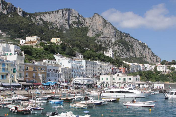 Monte Solaro văzut din port
