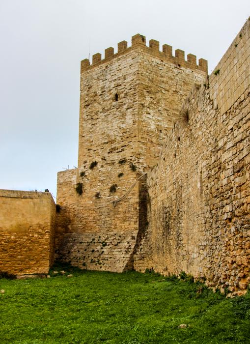 Castelul Lombardia