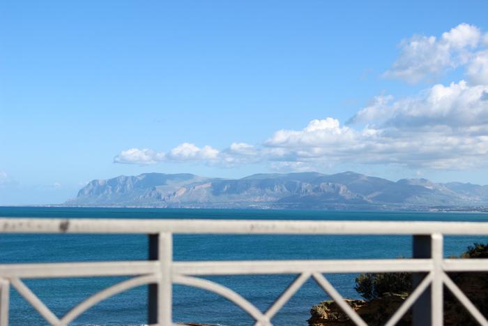 Panorama asupra golfului Castellammare