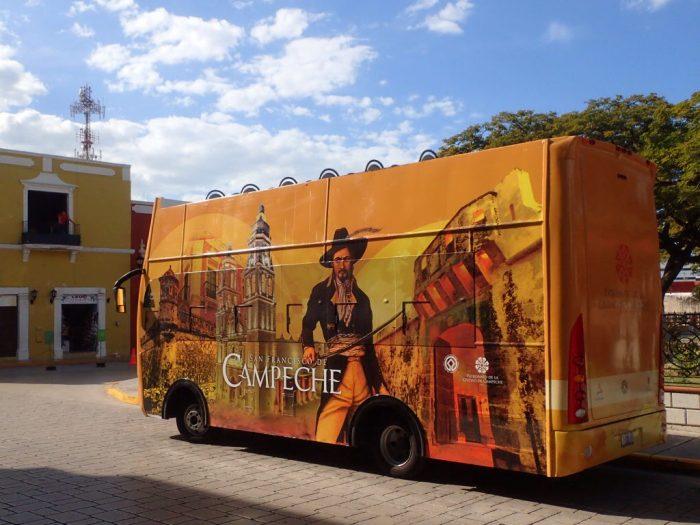 Autobuz turistic în Campeche